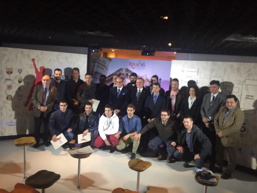 Fotografia de família amb tots els protagonistes al sorteig (cenoia.com)